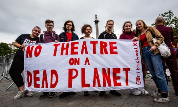 No theatre on a dead planet, XR